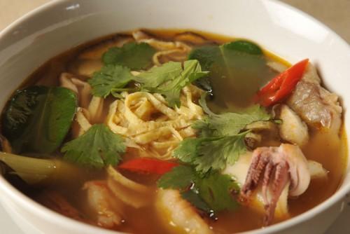 4 Смачних супу з кальмарами з простим приготуванням