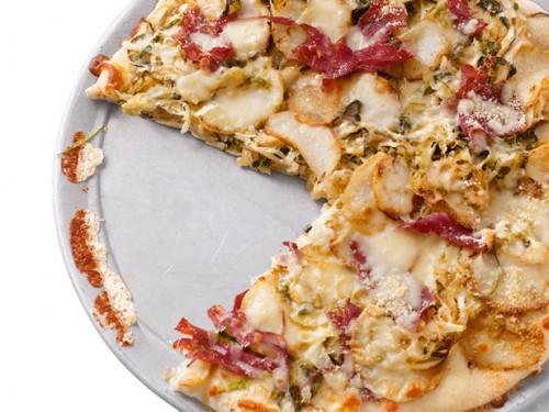 5 Кращих рецептів піци з м'ясом або як порадувати чоловіків