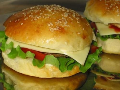 Американська простота: як приготувати гамбургер і чізбургер?