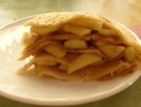 Блинчатый пиріг з яблучною начинкою