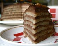 Млинцевий пісний торт з мигдалем і бананом