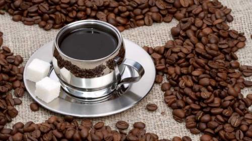 Бадьорімося взимку: смачні рецепти кави з добавками