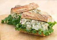 Бутерброд з селерою і тунцем