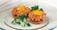 Бутерброди «яєчне гніздечко»