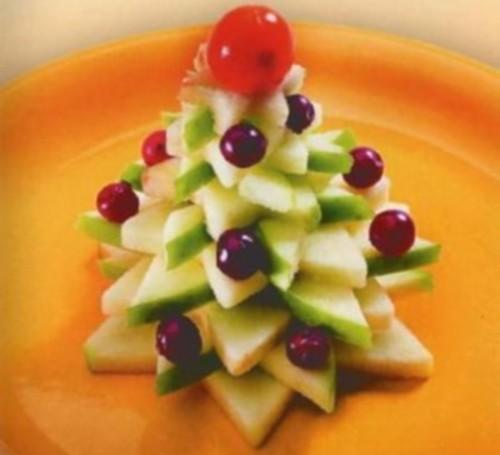 Десерт з яблук і журавлини «Новорічна ялинка»