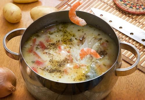 Для тих, хто любить креветки: як приготувати з ними смачний суп?
