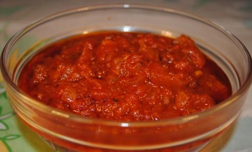 Домашній томатний соус-заготовка з прянощами