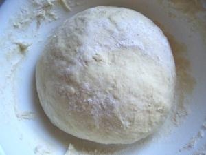 Дріжджове тісто для пирогів, пиріжків, ватрушок