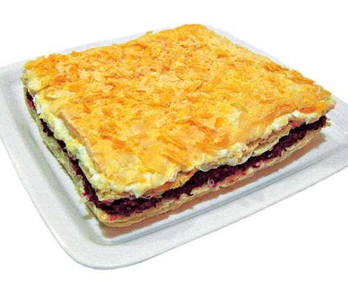 Фантазії на тему торта «Наполеон»: салати до святкового столу