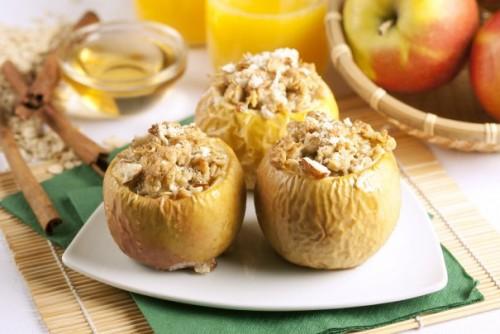 Фаршировані яблука: найкращі рецепти