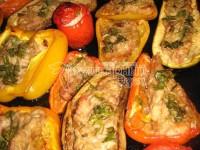 Фаршировані овочі, запечені в духовці