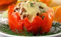 Фаршировані помідори з рисом