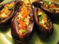 Фаршировані рисом і овочами баклажани