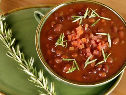 Квасолеві супи: корисне різноманітність