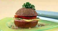 Гамбургери з сиром і помідорами