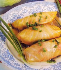 Голубці з капустою, рисом і селерою