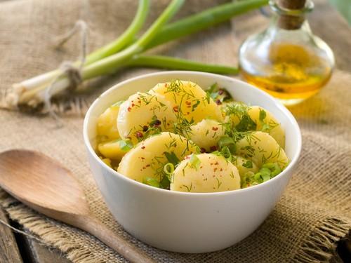 Готуємо картоплю в мультиварці: 5 рецептів