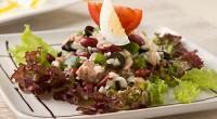 Грецький салат з тунцем