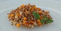 Гречана каша з морквою і цибулею