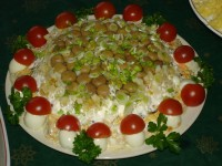 Грибний салат із зеленню і квасолею