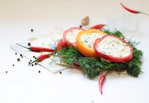 Холодні закуски з фаршированого перцю