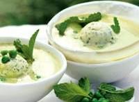Холодний суп гороховий з желе з м'яти
