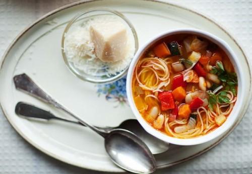 Італійська класика. Перші страви: готуємо суп Минестроне