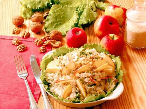 Яблучне різноманітність: рецепти салатів з яблуками