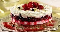Ягідно-сирний торт з фісташками