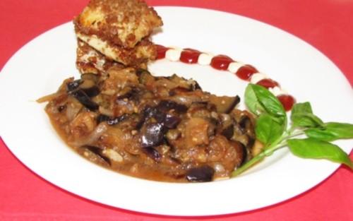Кабачки, тушковані з грибами і томатами