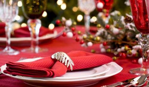 Як оформити новорічний стіл за 2 години