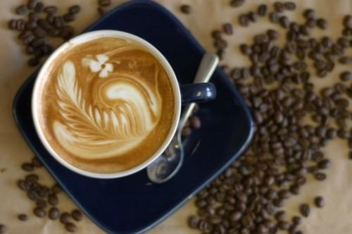 Як приготувати каву і з чим його подати?