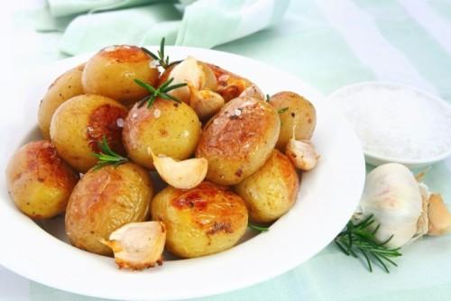 Як приготувати молоду картоплю: топ-5 найсмачніших страв