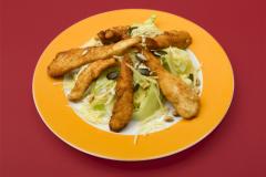 Як приготувати салат з напівфабрикатами?