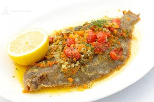 Камбала і овочі: запікаємо в духовці