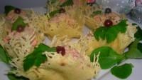 Канапе в сирних кошиках з рибним паштетом