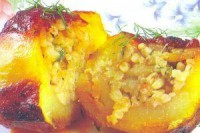 Картопля, фарширований рисом і цибулею