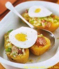 Картопля, запечена з яйцями