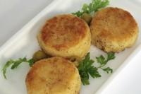 Картопляні котлетки з бринзою