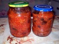 Консервовані баклажани в томатному соусі