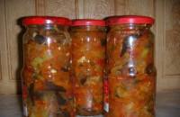 Консервований салат з баклажанами