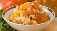 Консервований салат з овочами та рисом