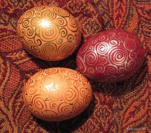 Фарбовані яйця. Великдень