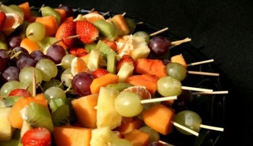 Гарне оформлення фруктових нарізок - це просто