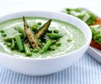Крем-суп із зеленого горошку з беконом
