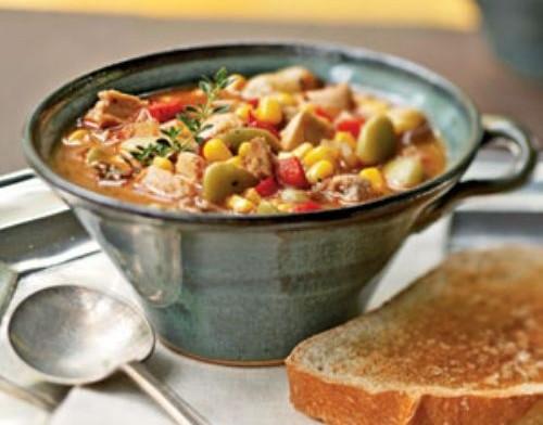 Курка, тушкована з овочами: цікаві рецепти