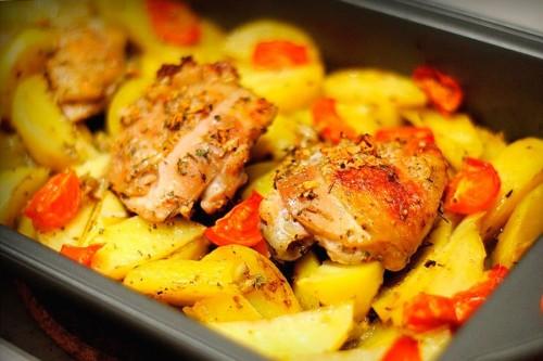 Курячі стегенця: 5 смачних рецептів з продуктом