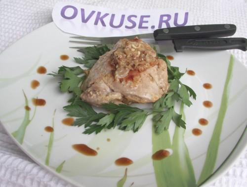 Курячі стегенця в ніжному соусі, рецепт приготування з фото