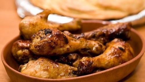 Курячі гомілки в медово-хмільному соусі