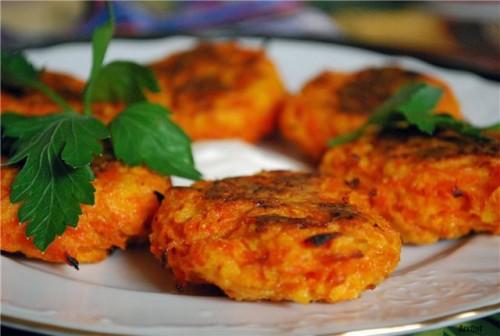 Легкі страви: смачні котлети з моркви